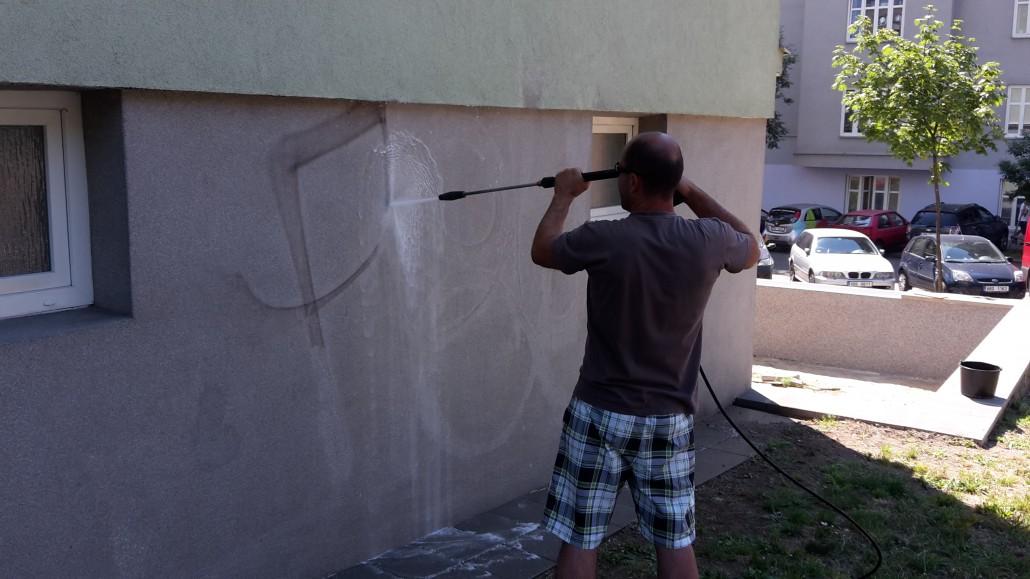 Chemické mechanické odstranění graffity Praha