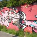 Graffiti na fasádě domu, Brno